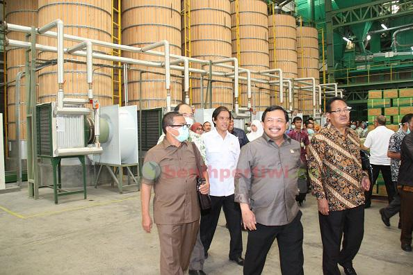 Kunjungan Kerja Komisi IV DPR RI ke Pabrik Benih Pertiwi